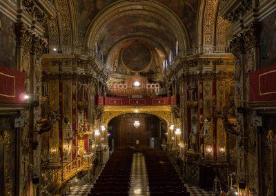 2. Interior Coro